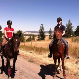 My friend Ylva from sweden tamed Eddie the stud and he became Tanner's best trail friend.  Go team Jolly!